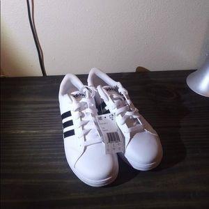NWT Adidas Baseline Girls Sz 6.5